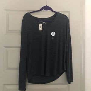 NWT Aeropostale Grey Long-Sleeved Tee Size L